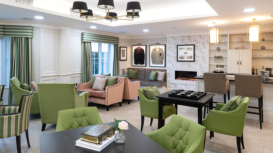 Henley Manor, sitting area