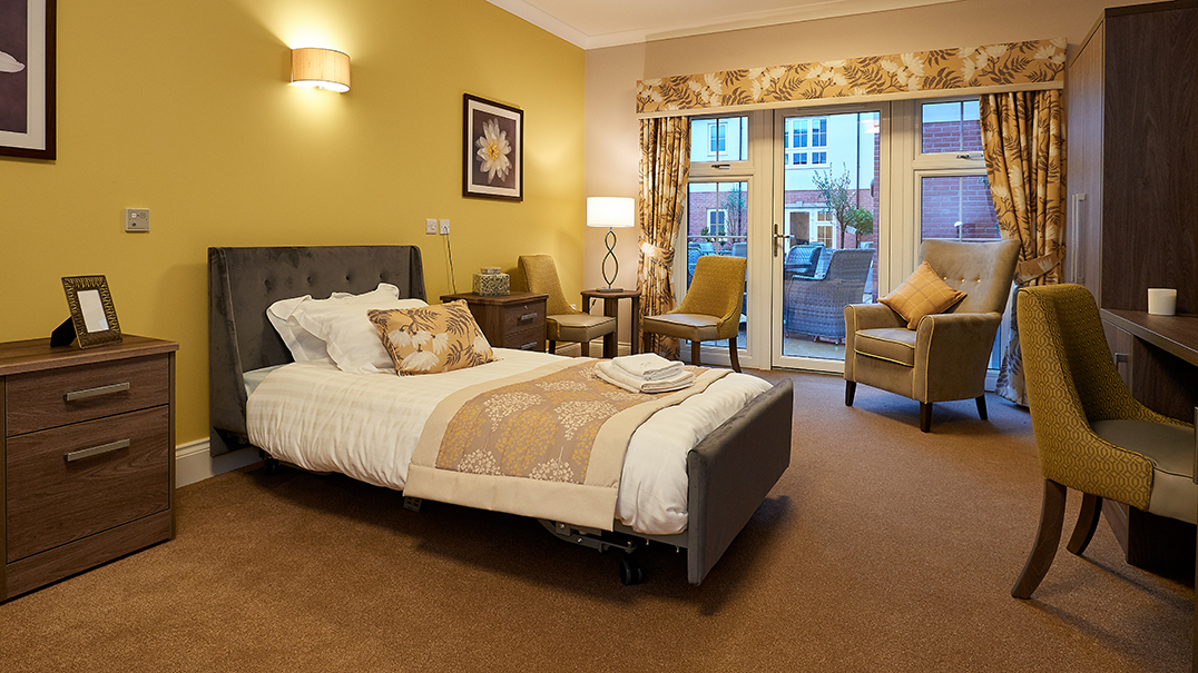 Claridge Place, bedroom, Altida bed